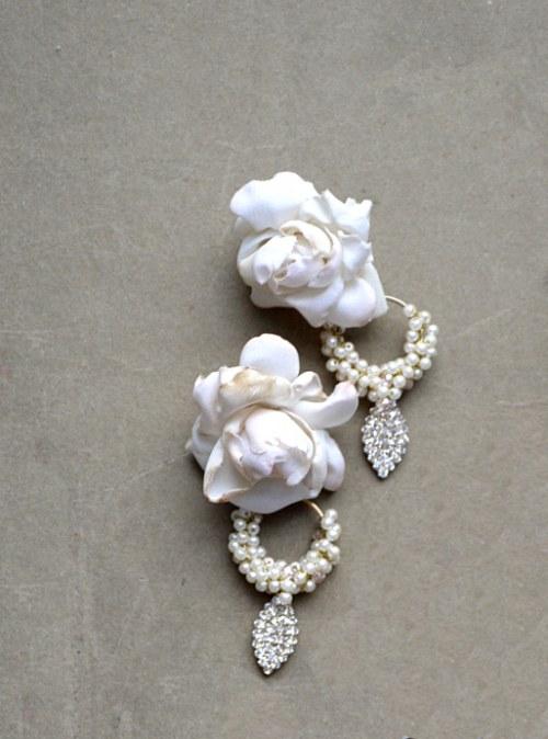 Romantyczne kolczyki z róża numer 374