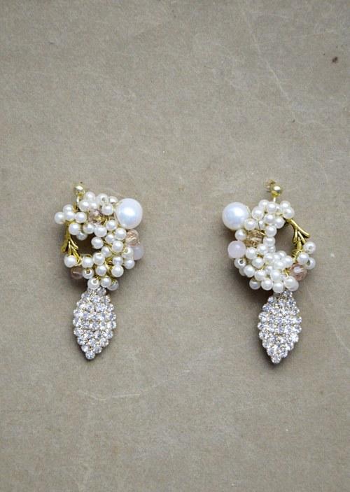 Romantyczne kolczyki z perełkami numer 376
