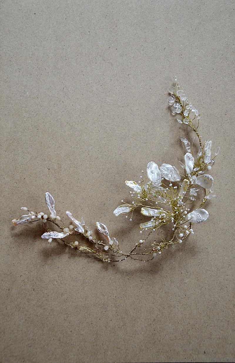 Ozdoba z naturalnymi perłami numer 424