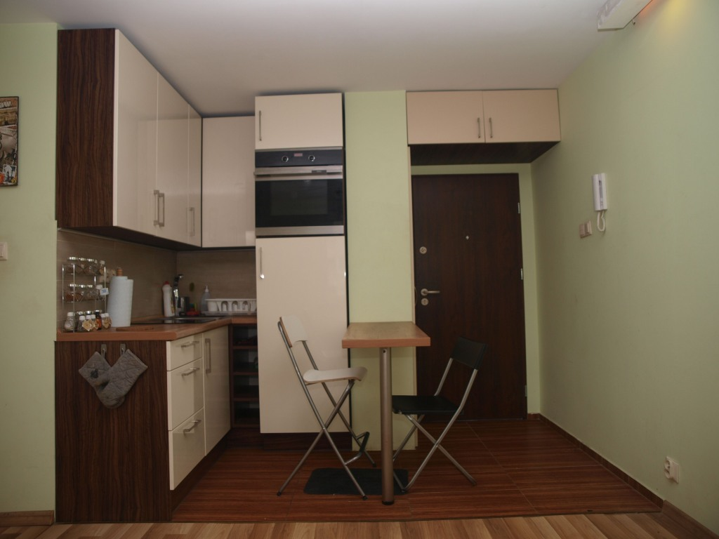 Kuchnia na wymiar w nowoczesnym studio we Wrocławiu
