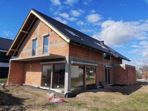 Budowa domu jednorodzinnego z garażem