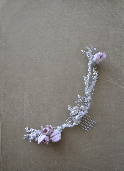 Comb with flowers no.411