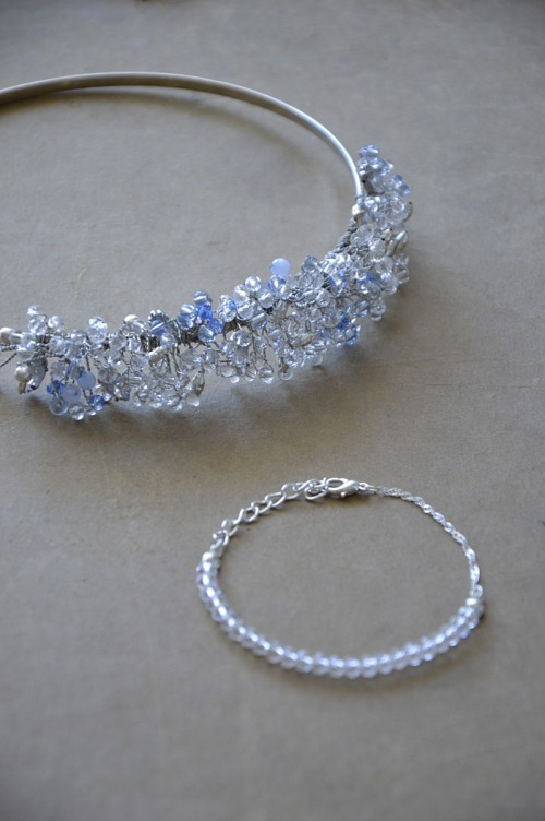 Headband with crystals no. 412